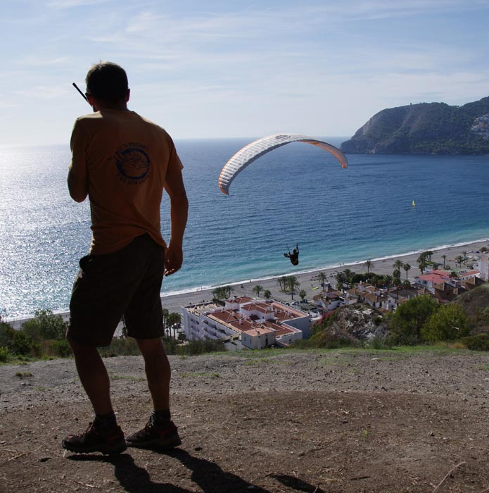 Réconfort après une journée de parapente sous le soleil Andalou - VIREVOLTE